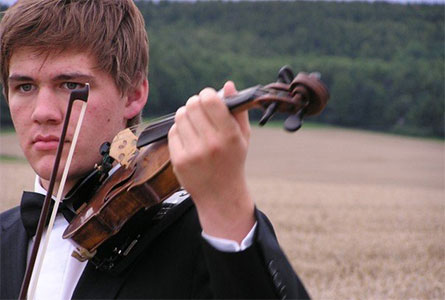 SPA graduate Peter Clark ('06) is now touring with The Australian Chamber Orchestra.