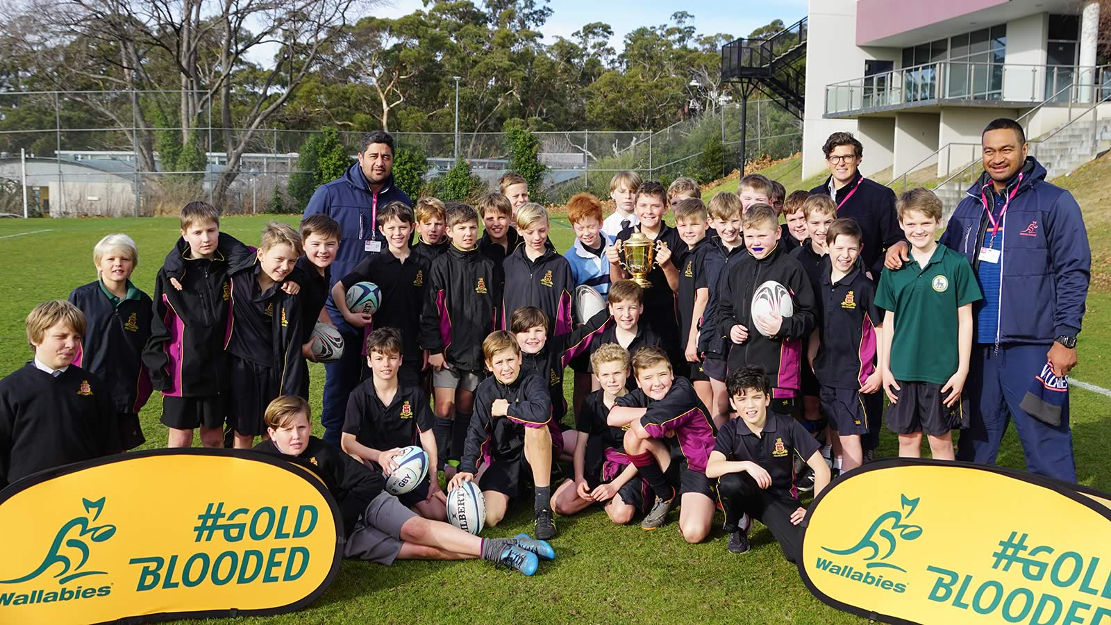 Junior School boys with Steve Kefu, Morgan Turinui and Luke Burgess.