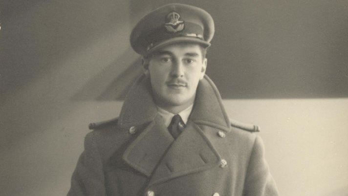 Flight Commander Stuart Crosby Walch.