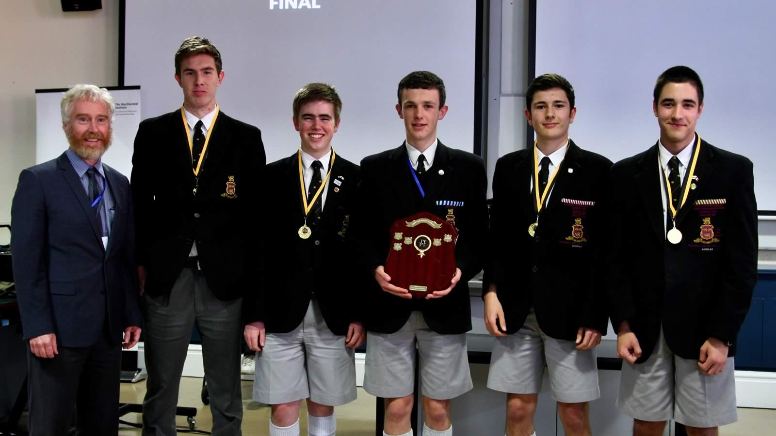 Junior Young Physicists Tournament winning team from Hutchins (large)