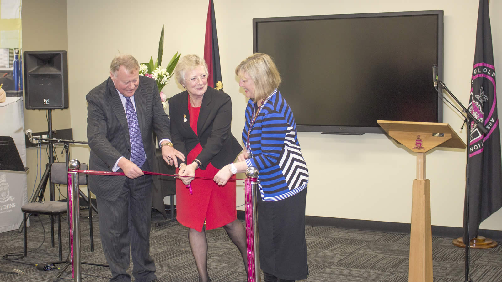 Mr Warwick Dean, Dr Jill Abell and Mrs Jenny Manthey opening the Stephens Library and Junior School extension (large)