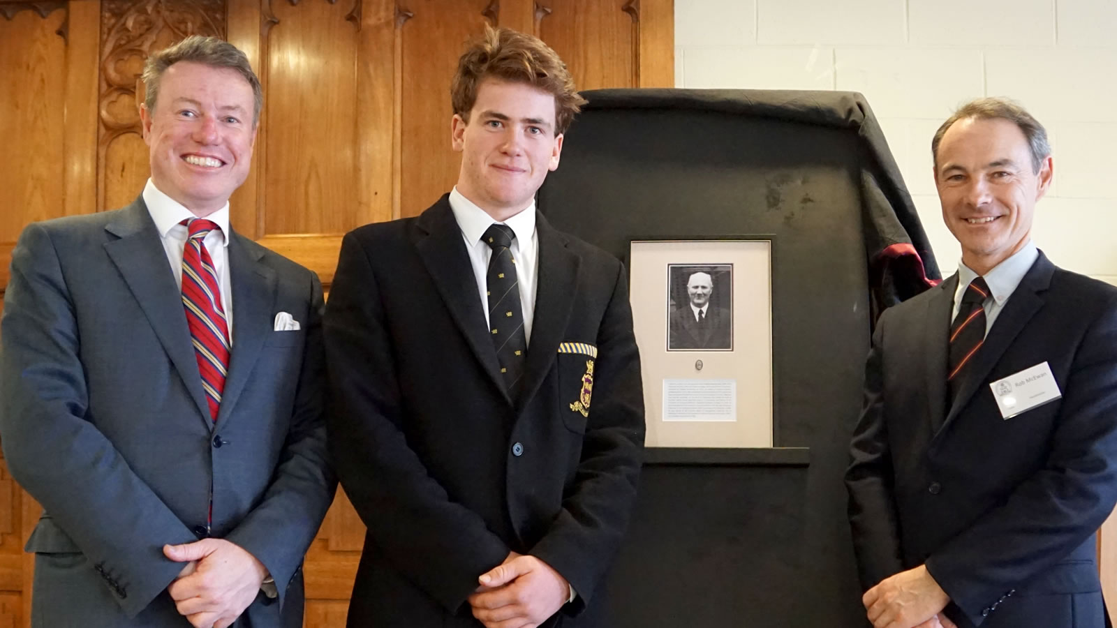 Mr Tim Munro (President – Hutchins School Old Boys' Association), great grandson of Charles Stanley King – Samuel King (Year 11) and Dr Rob McEwan (Headmaster).